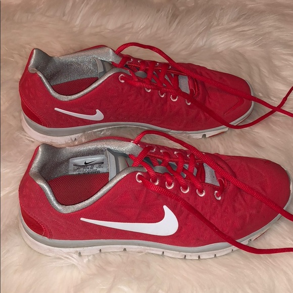 Red Nike Womens Tennis Shoes Size